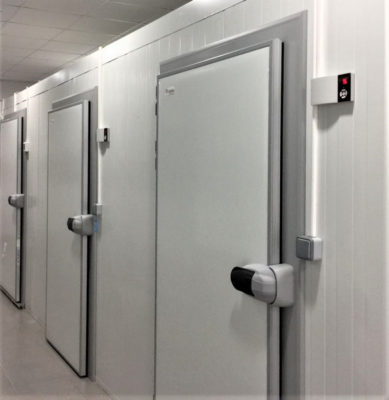 Puertas pivotantes de refrigeracion