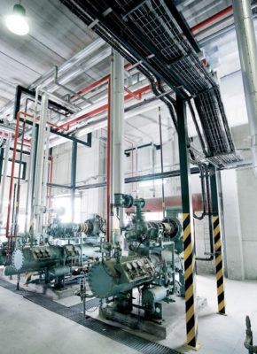 Sala de maquinas con centrales frigorificas