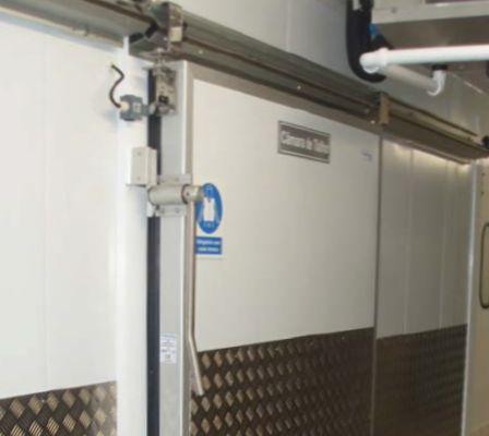 Puerta corredera frigo 1